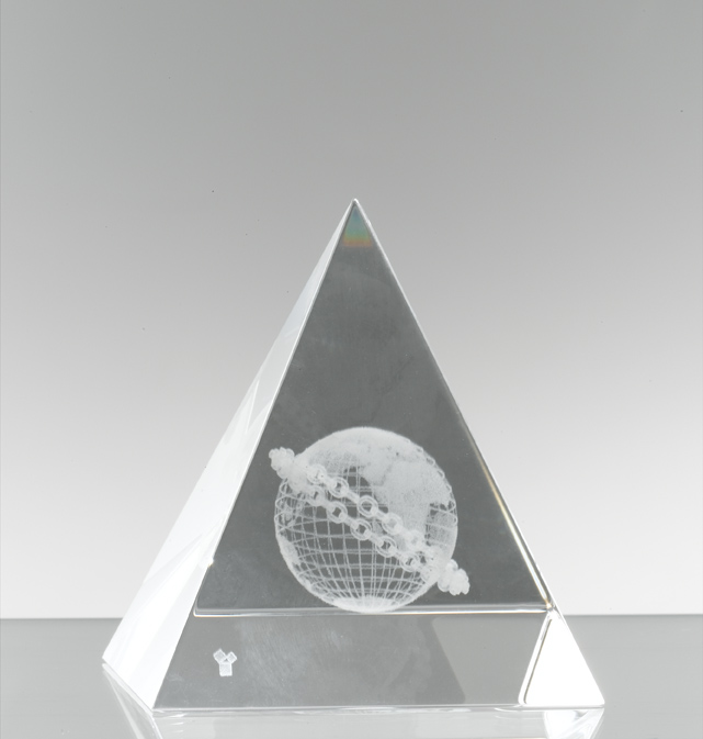 Briefbeschwerer Pyramide Briefbeschwerer Glas